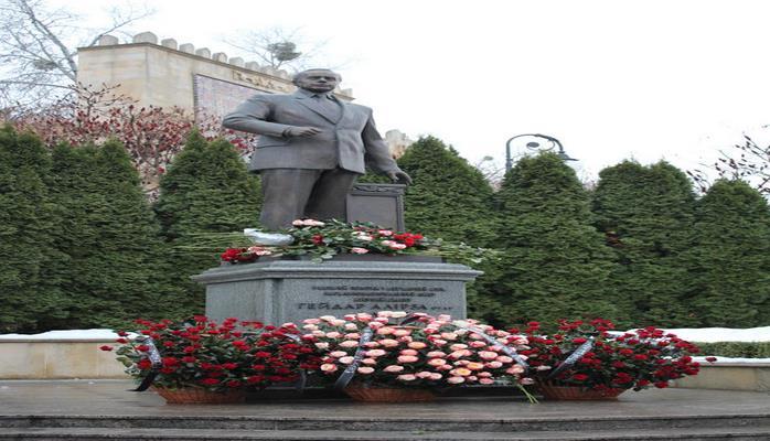 В Киеве почтили память общенационального лидера азербайджанского народа Гейдара Алиева