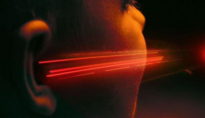 Учёные впервые передали звук лазером прямо в ухо человека