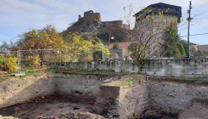 Arxeoloji qazıntılar zamanı tarixi əsərlər ortaya çıxdı