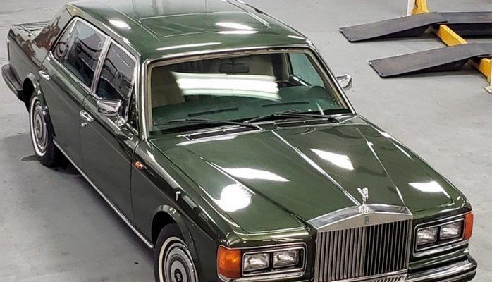 Şahzadə Diananın zirehli limuzini satışa çıxarılıb