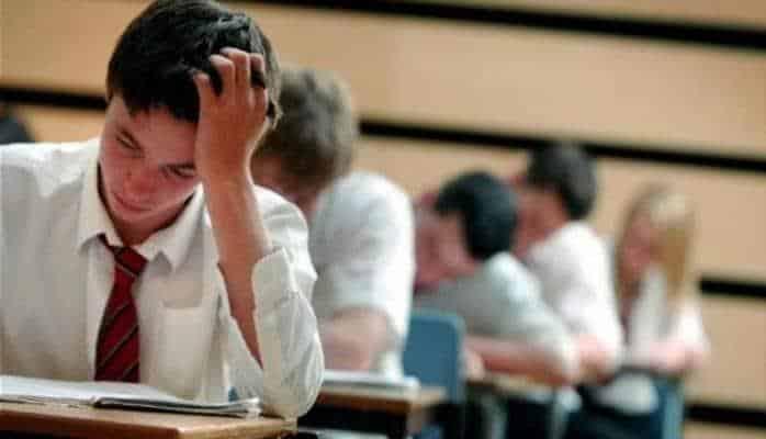 Gürcüstanda 250 azərbaycanlının təhsil aldığı universitet bağlanıb