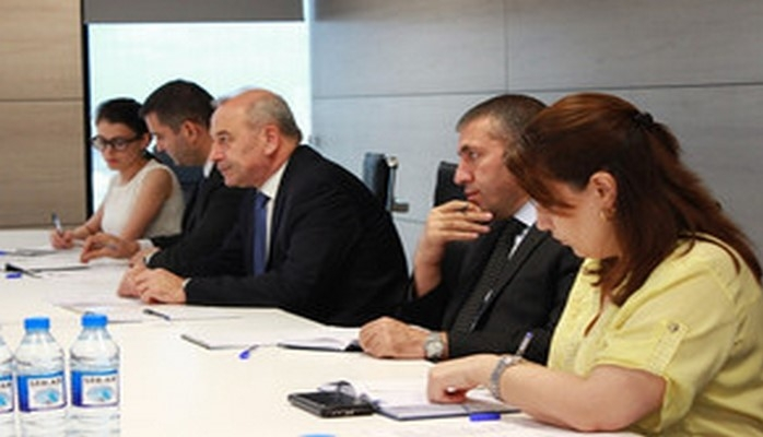 Вице-президент: Европейский инвестиционный банк особо заинтересован в энергетических проектах в сотрудничестве с Азербайджаном