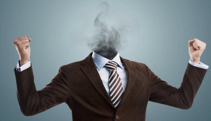 """Həyatın mənası itib, nə gülür, nə sevinirsiniz? – """"Professional yanma"""" sindromu nədir?"""