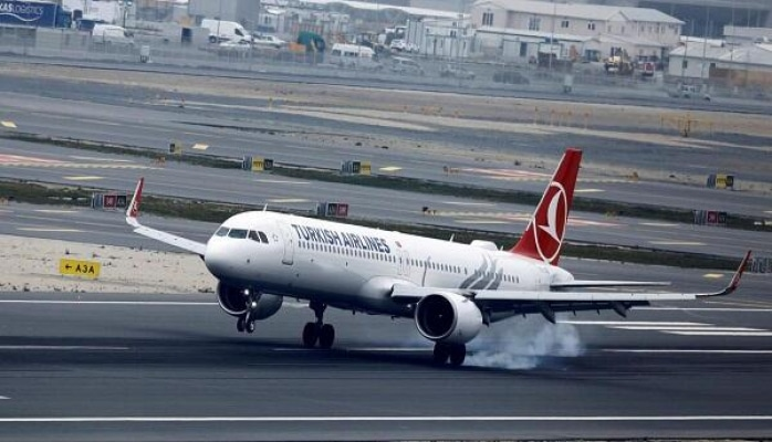 Турецкий самолет аварийно сел в Одессе