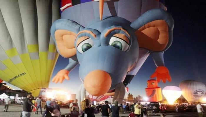 Uluslararası Kapadokya Balon Festivali'nde gökyüzü dev balonlarla süslendi
