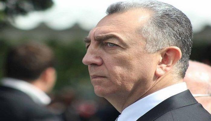 Эльдар Азизов уволил директора