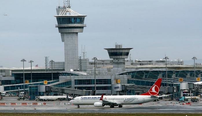 Havada kaos! Gün boyu bir tek Atatürk Havalimanı çalıştı… İç hat seferleri başladı