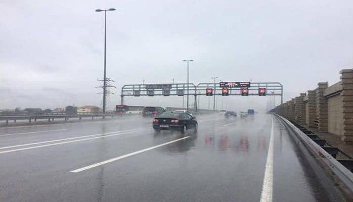 В Баку на автомагистралях снижена максимальная скорость движения