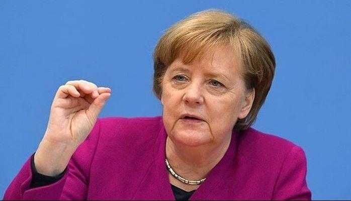 Angela Merkel Gürcüstana rəsmi səfərə gəldi