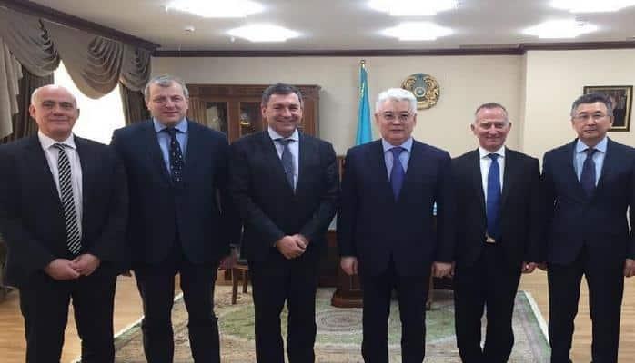 Казахстан и Франция планируют углублять сотрудничество в космической сфере