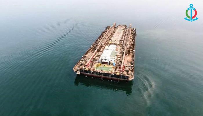 В Азербайджане вернули в строй крупнейшую на Каспии баржу