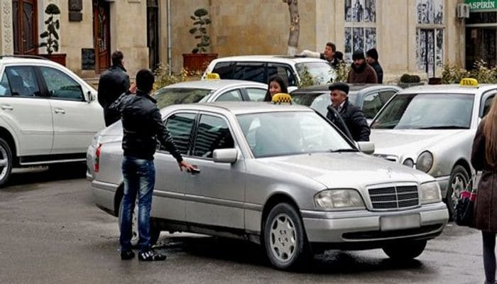 Fərqlənmə nişanı olmayan taksi sürücülərini hansı cəza gözləyir? - RƏSMİ