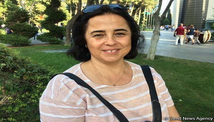 Турецкая гостья в восторге от парада в Баку