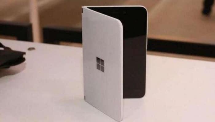 Microsoft создаст смартфон с тремя экранами