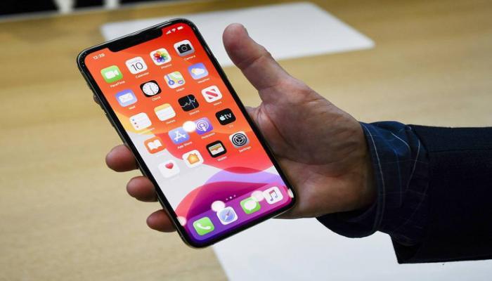 Стоимость места в очереди для покупки нового iPhone варьируется от 20 до 400 тыс. руб.