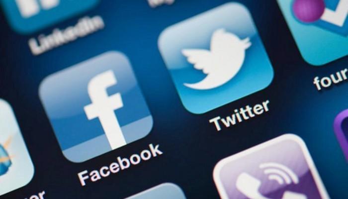 Facebook и Twitter договорились пресекать попытки влияния в соцсетях на выборы в США
