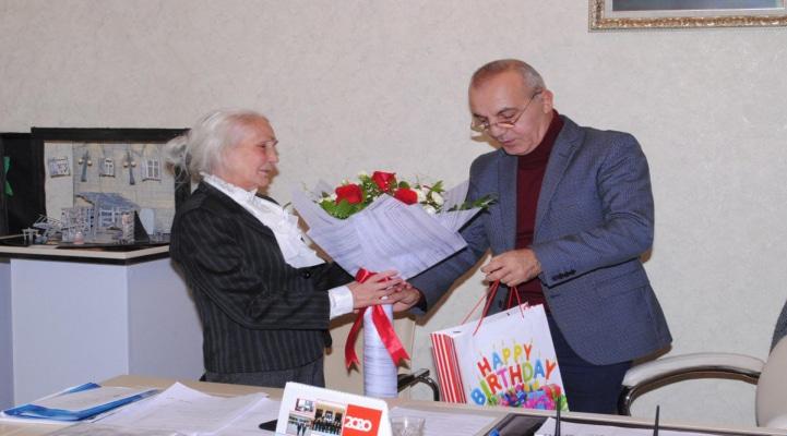 Коллеги поздравили с юбилеем 80-летнюю азербайджанскую актрису