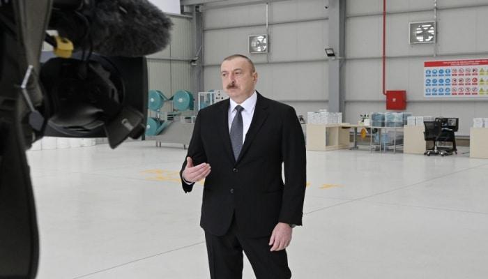 Президент Ильхам Алиев: В случае искусственного завышения цен на медицинские маски причастные к этому лица будут строго наказаны