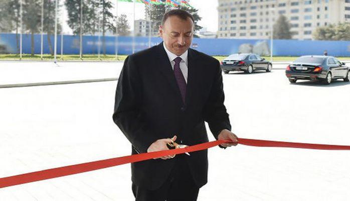 Ильхам Алиев на открытии железнодорожной станции Пиршаги