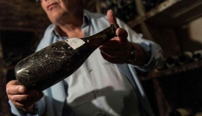 Бутылка вина эпохи Людовика XVI продана за 120 тысяч долларов