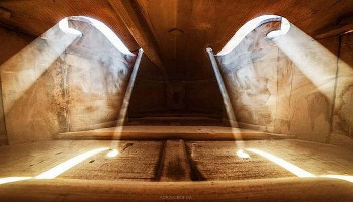Волшебные фотографии, снятые внутри виолончели и других музыкальных инструментов