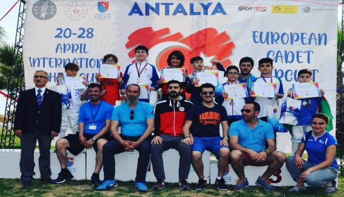 Qılıncoynadanlarımız Antalyada bürünc medal qazanıblar