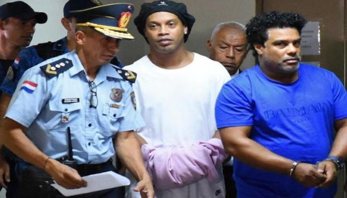 Ronaldinyo 1,6 milyon ABŞ dolları qarşılığında həbsxanadan çıxdı