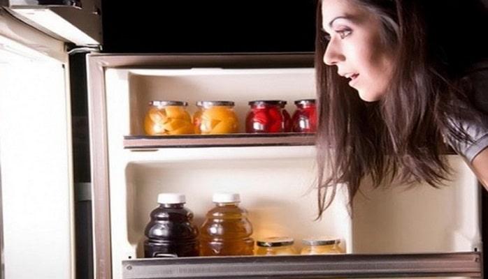 Daim şokolad, kolbasa, şirniyyat istəyirsinizsə... Bunlar hansı vitaminlərin çatışmazlığına işarə edir?