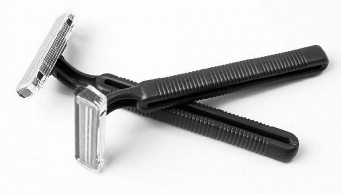 Физики выяснили причину недолговечности одноразовых бритв