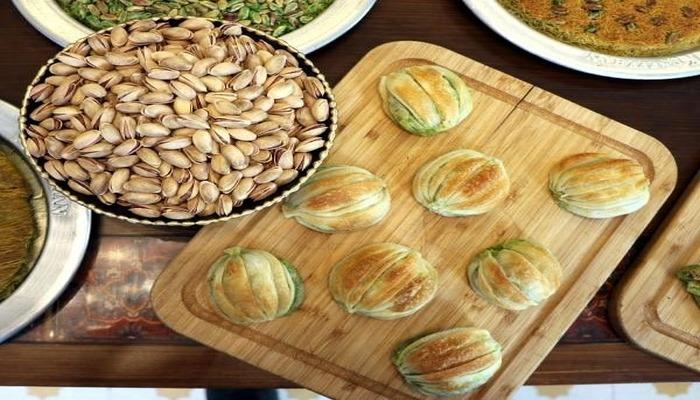 Gaziantep'te yeni lezzet; midye katmer