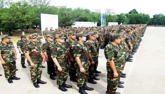 Gəncədə gənclər könüllü ordu sıralarına yazılır