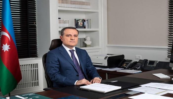 Глава МИД Азербайджана прибыл в Россию