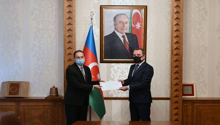 Глава МИД Азербайджана встретился с новым послом Пакистана