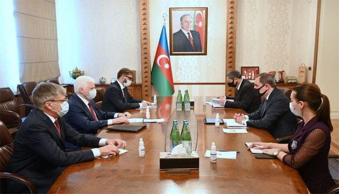 Глава МИД Азербайджана встретился с послом России
