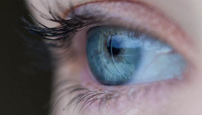 Görme engellilere görme yetisi sağlayan biyonik göz geliştirdi