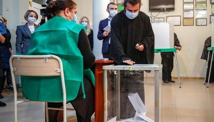 """""""Gürcü Arzusu"""" parlament seçkilərində qalib gəlib"""