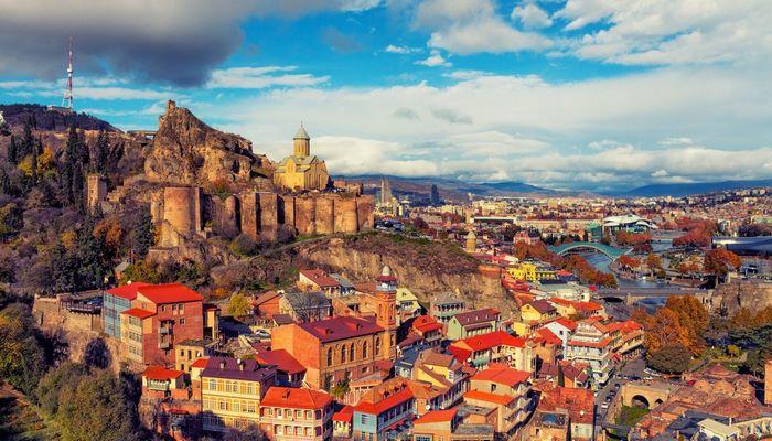 Gürcüstanın turizmdən gəliri 97% azalıb