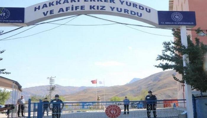 Hakkari'de karantina kuralları uymayan 18 kişi yurtlara yerleştirildi