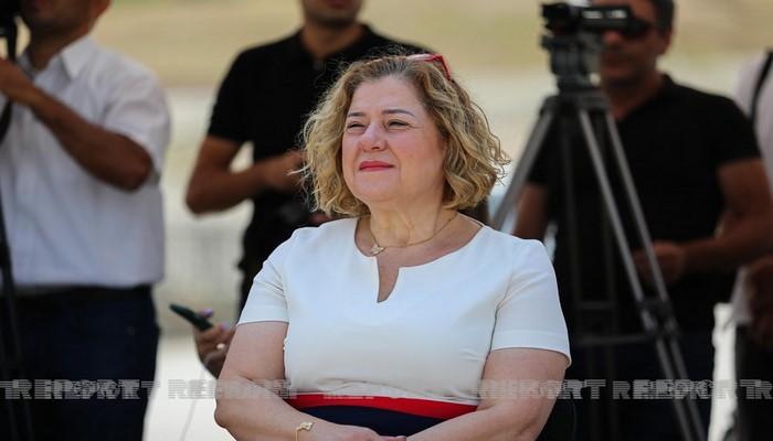 """Hande Harmancı: """"Delta"""" ştammına qarşı yeni mübarizə üsulu yoxdur"""""""