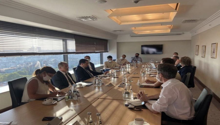 Помощник Президента Хикмет Гаджиев встретился с действующими в Стамбуле представителями международных медиа