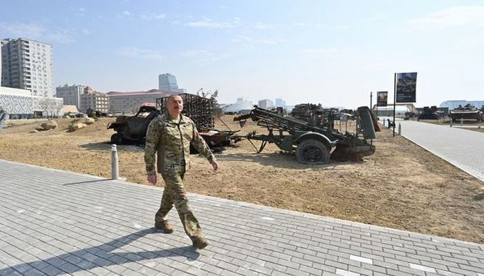İlham Əliyev Bakıda Hərbi Qənimətlər Parkının açılışında iştirak etdi