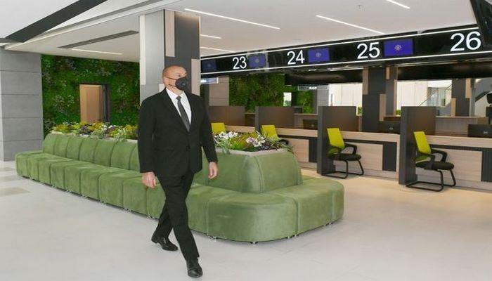 İlham Əliyev Bakıda yeni DOST mərkəzinin açılışında
