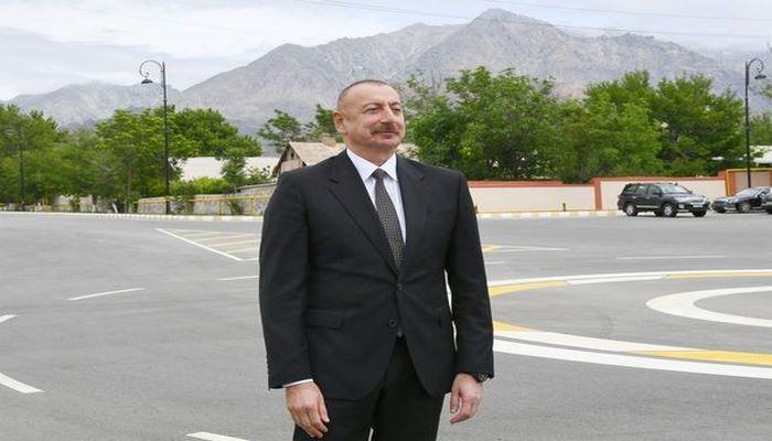 """İlham Əliyev: """"Hesab etdim ki, atamın məzarını ziyarət edəndən sonra onun Vətəninə – Naxçıvana gəlim"""""""