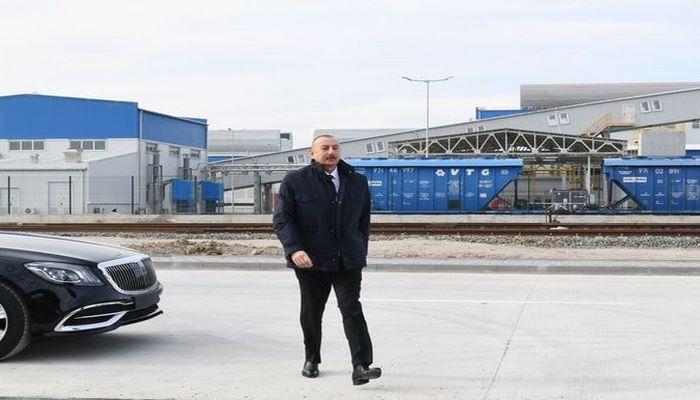 İlham Əliyev Sumqayıt Kimya Sənaye Parkında iki zavodun təməlini qoydu - CANLI YAYIM