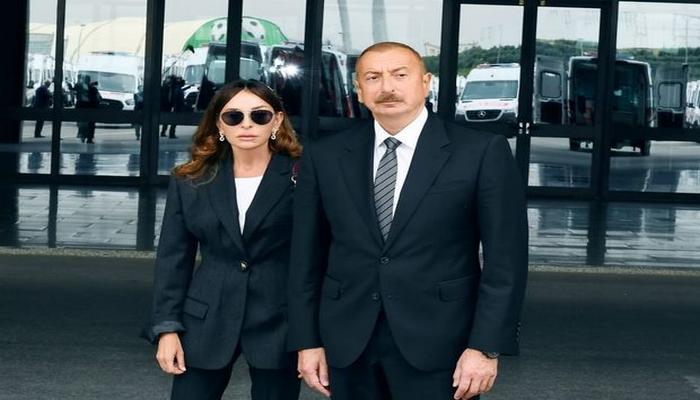 İlham Əliyev və Mehriban Əliyeva yaralı hərbçilərə baş çəkdilər - CANLI YAYIM
