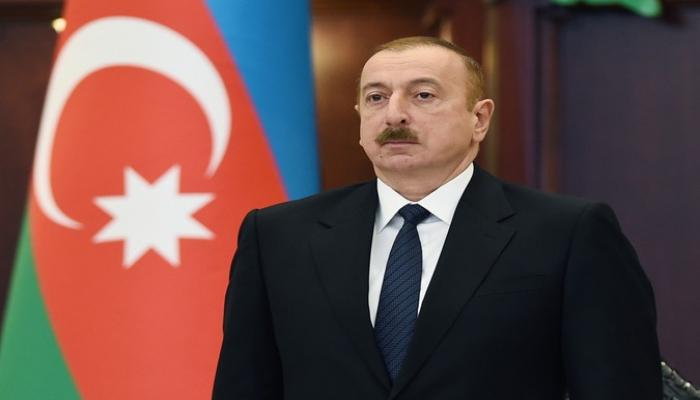 """İlham Əliyevi Özbəkistanda """"İlin adamı"""" elan edilib"""