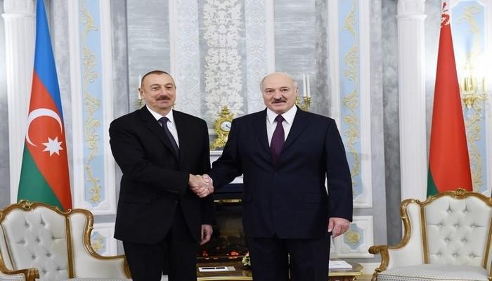 Ильхам Алиев позвонил Александру Лукашенко