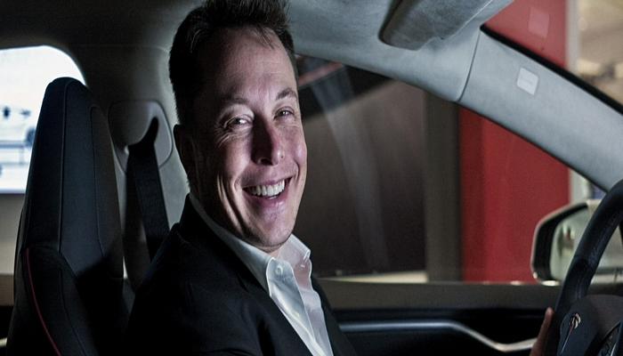 """İ.Mask: """"Teslanın avtopilotu məni artıq demək olar ki, müstəqil şəkildə işə aparır"""""""