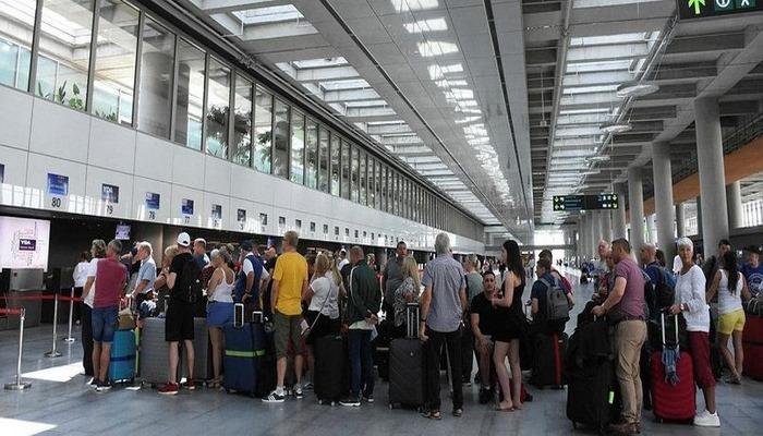 İngiliz turistler rotayı Türkiye'ye kırdı! .