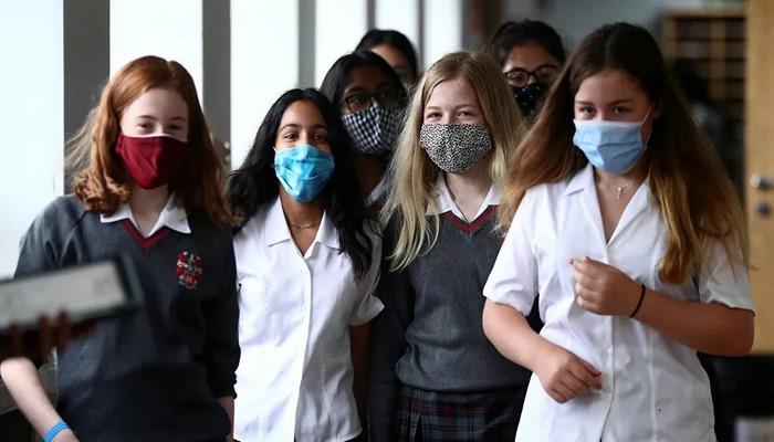 İngiltere'de 7 okulda öğrenciler karantinaya alındı